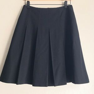 Max Studio Size 4 wide pleated black skirt